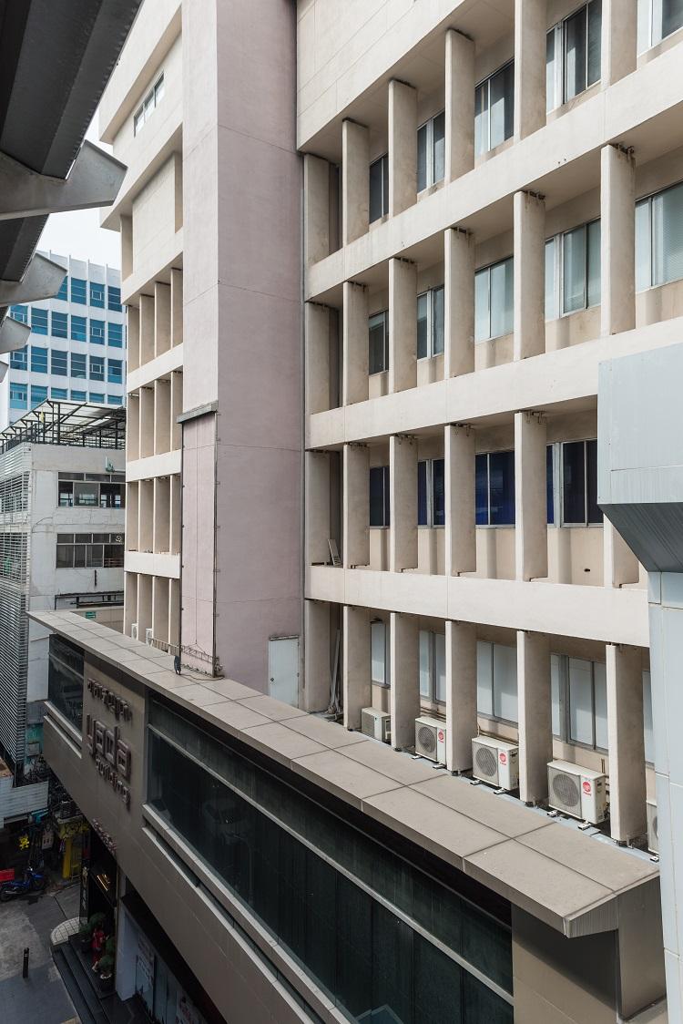 Yada Building