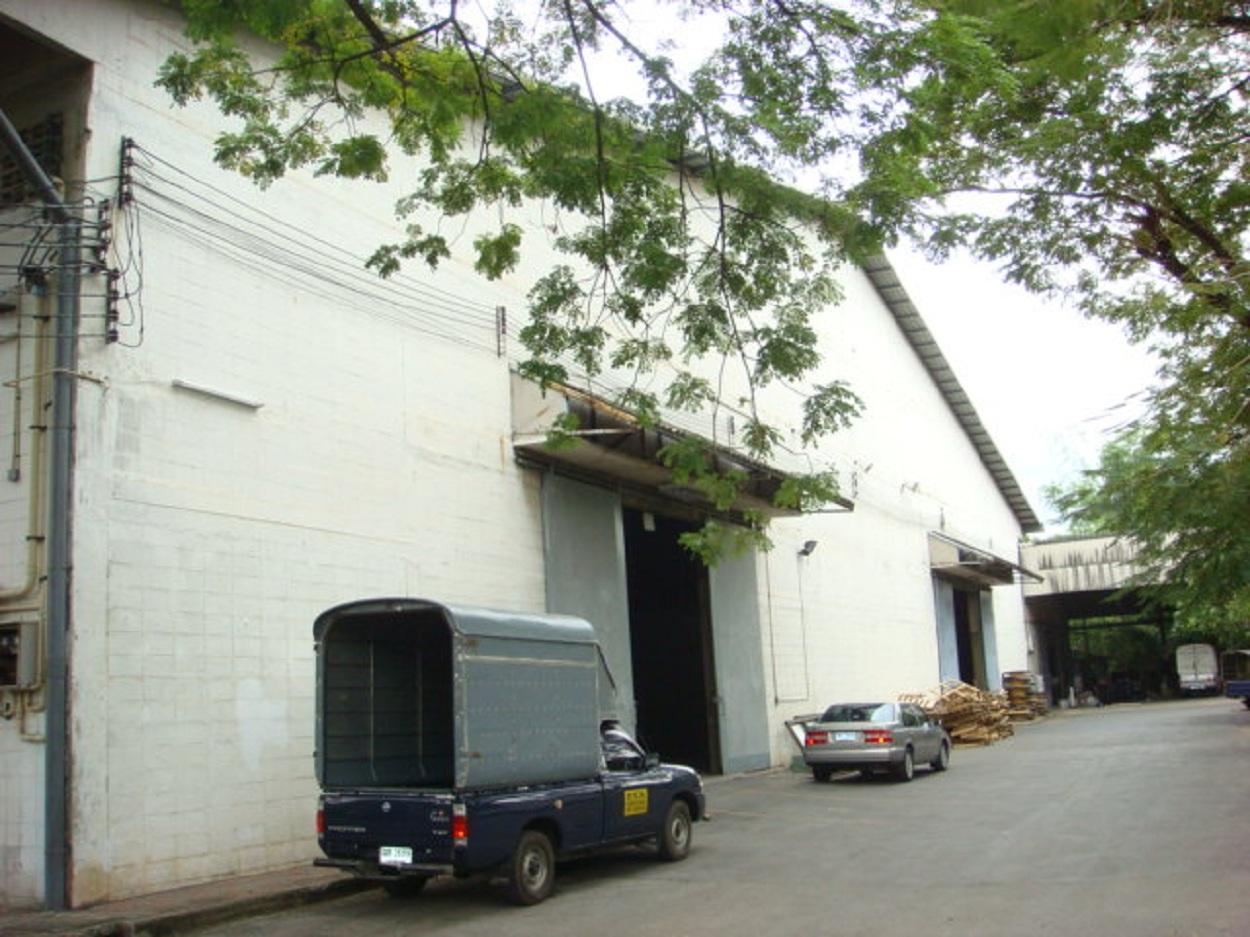 Warehouse Pattanakarn Road