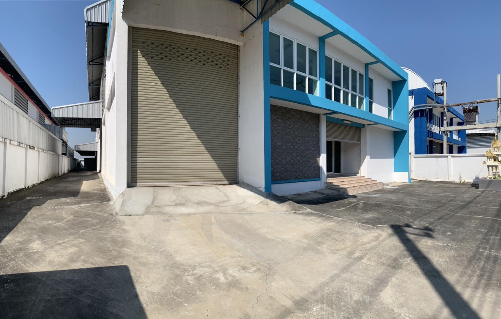 Warehouse Romklao Rd., Khlongsongtonnun Sub-District, Lad Krabang