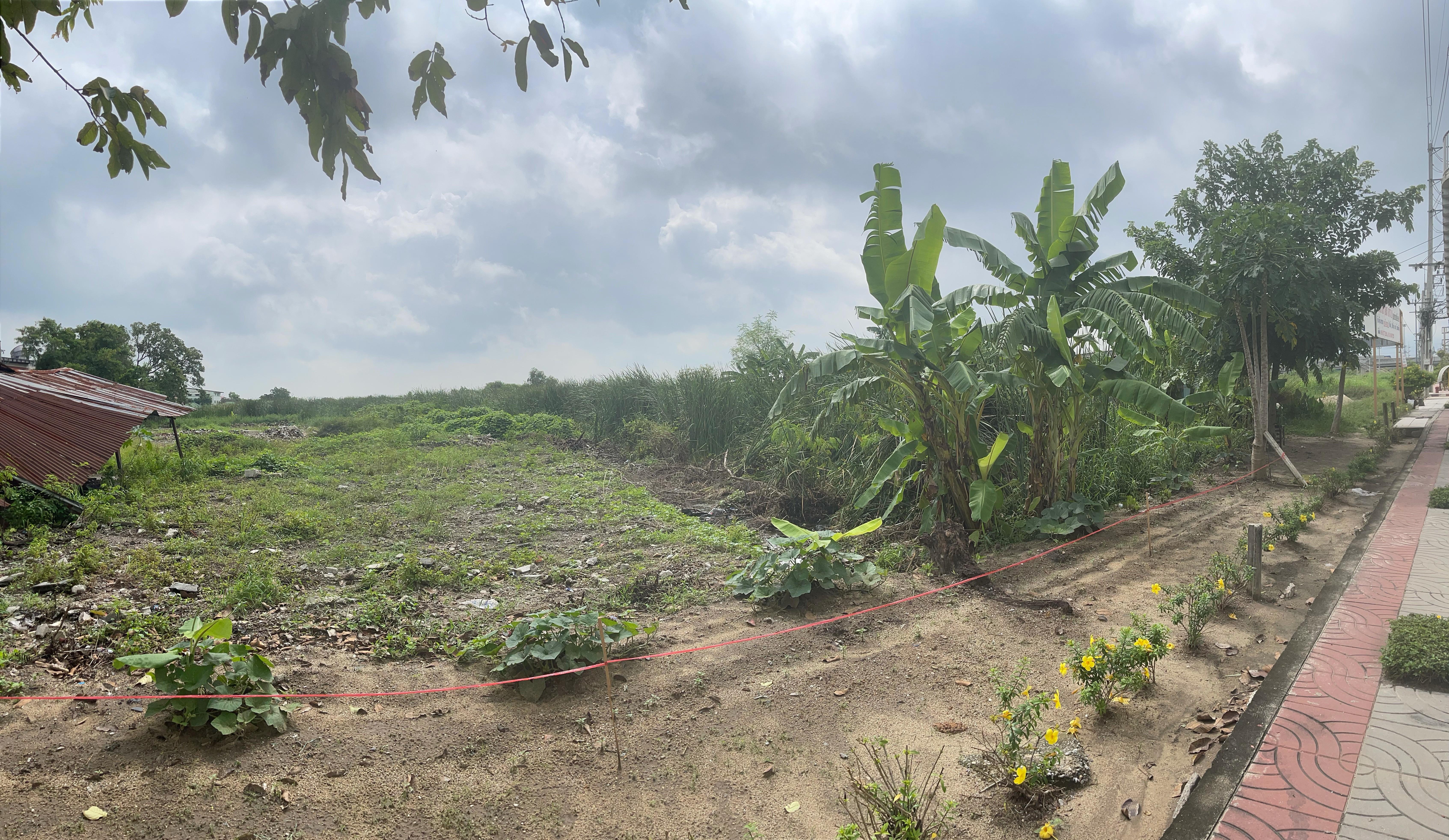 Land Romklao Road, Ladkrabang