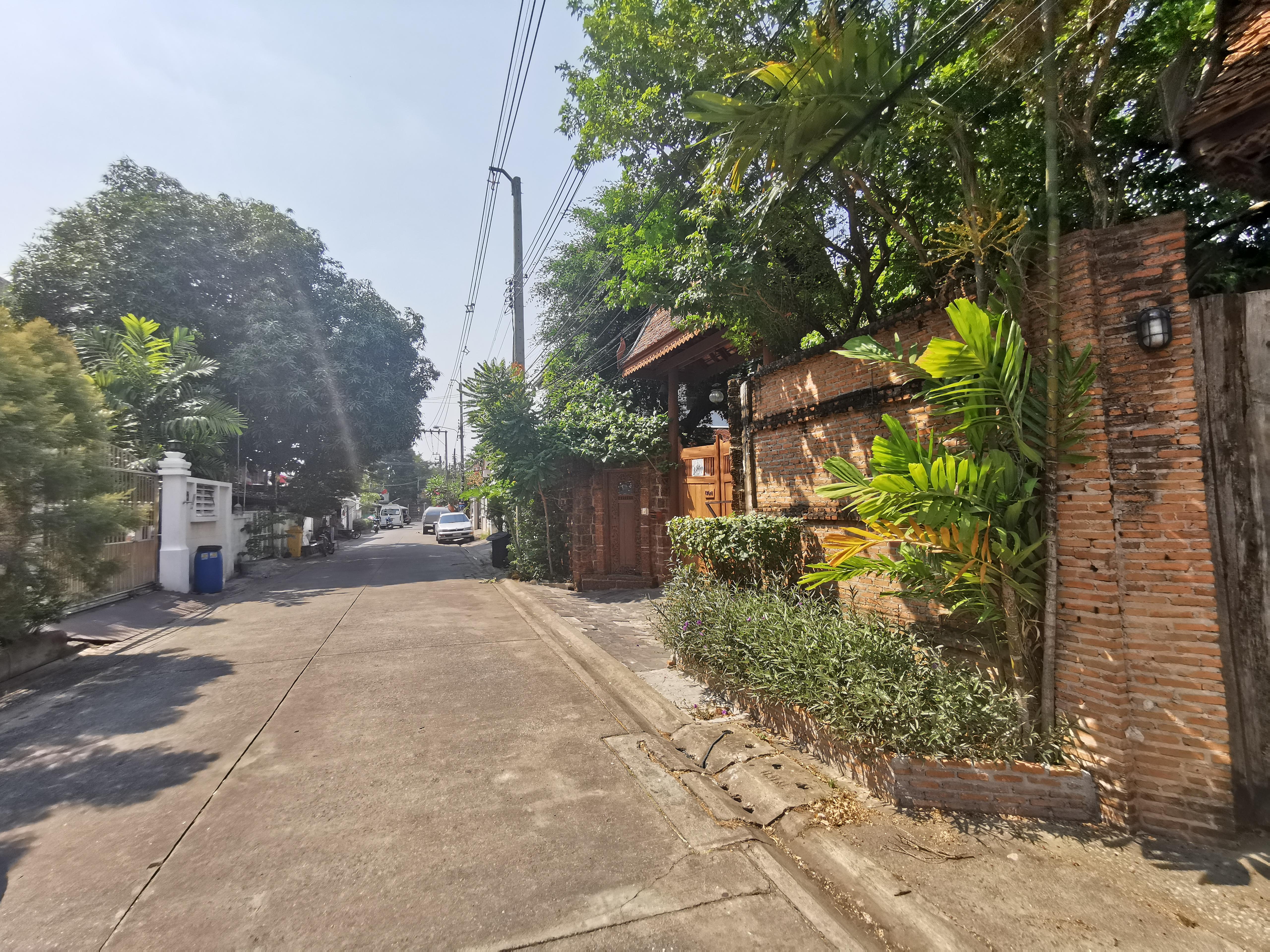 ขายที่ดินพร้อมสิ่งปลูกสร้าง ทุ่งสองห้อง Bangkok